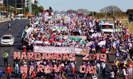 Compañeras de COPROFAM marchan junto a cien mil trabajadoras rurales brasileñas