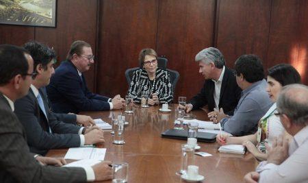 CONTAG se reúne con la Ministra de la Agricultura para exigir medidas para efectuar una reforma agraria en Brasil
